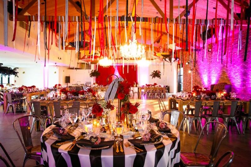 Circus_Wedding_FlowersbyCina_Colony_House_10