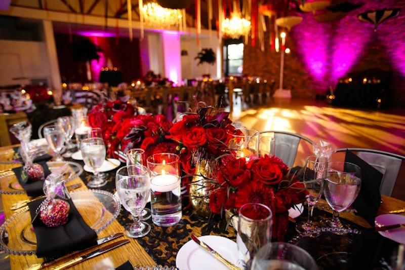 Circus_Wedding_FlowersbyCina_Colony_House_12
