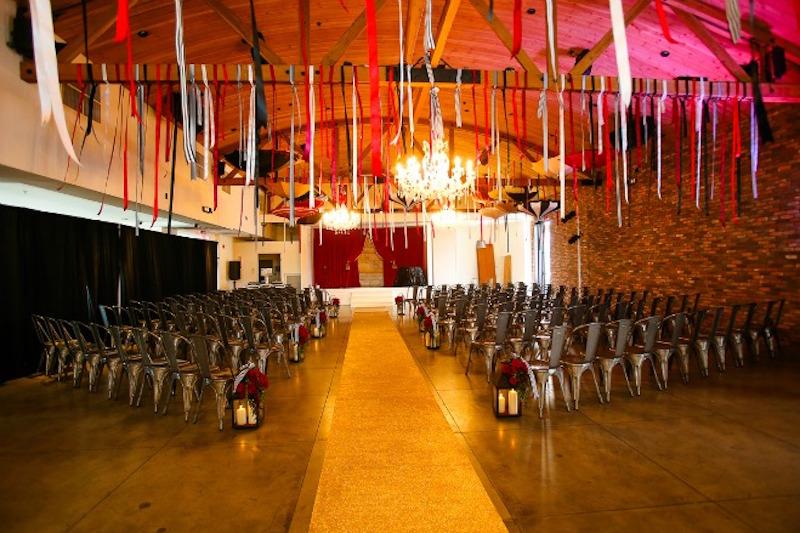 Circus_Wedding_FlowersbyCina_Colony_House_7