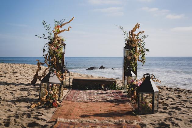 Rustic_Bohemian_Beach_StyledShoot_FlowersbyCina_7