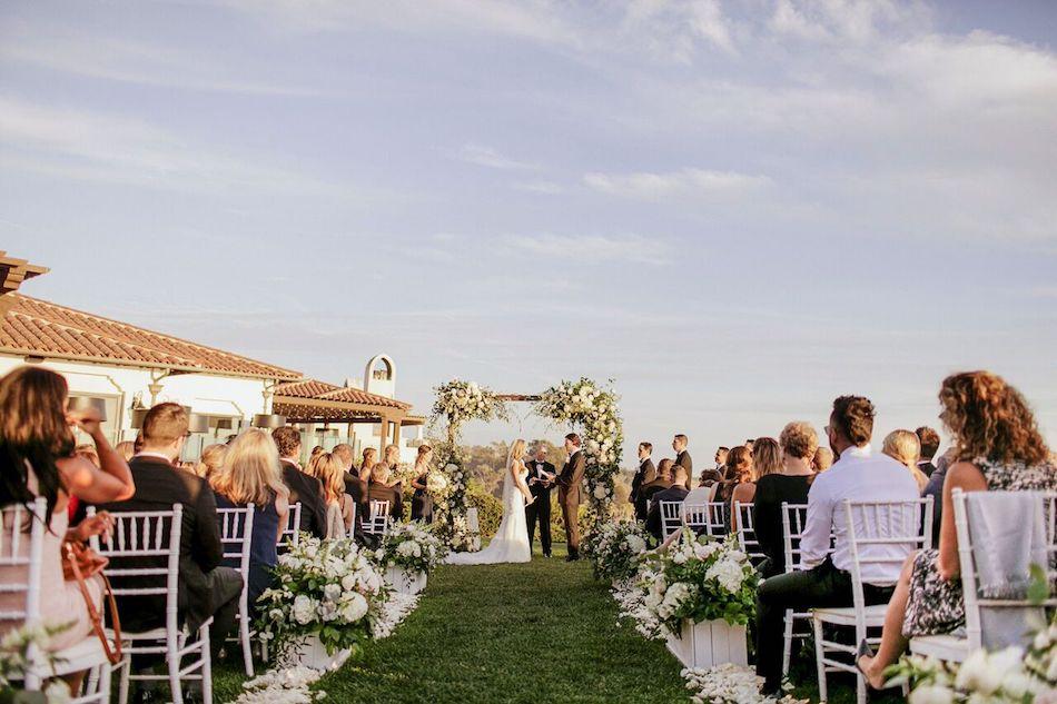 wedding ceremony, ceremony, wedding design, wedding flowers, elegant white, white wedding
