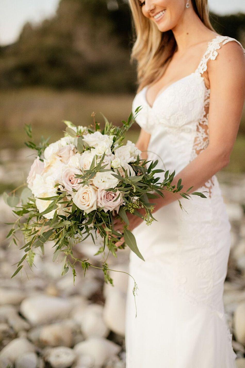 bride, elegant white, white wedding, bouquet, wedding flowers, flowers by cina