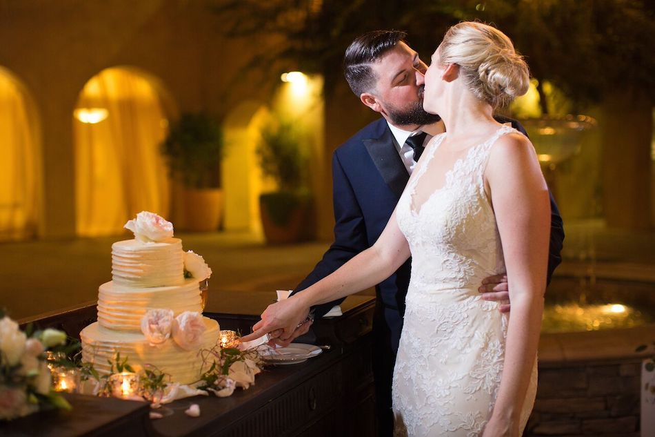 cake, wedding cake, serra plaza, bride and groom, blush, romantic blush, wedding, flowers by cina