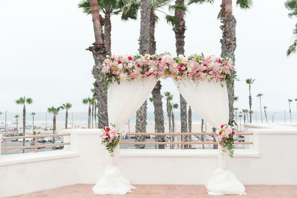 wedding ceremony, ceremony cite, wedding flowers, romantic pink, pink, wedding, ceremony, wedding florist
