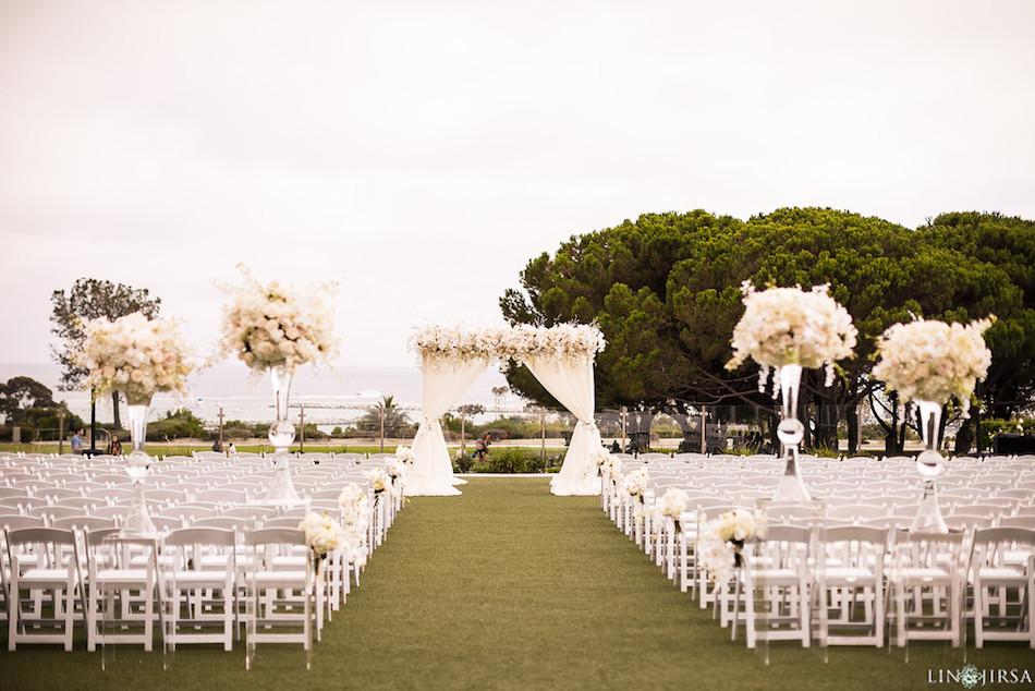ceremony, white wedding, wedding, flowers, wedding flowers, florist, enchanting laguna cliffs marriott, flowers by cina