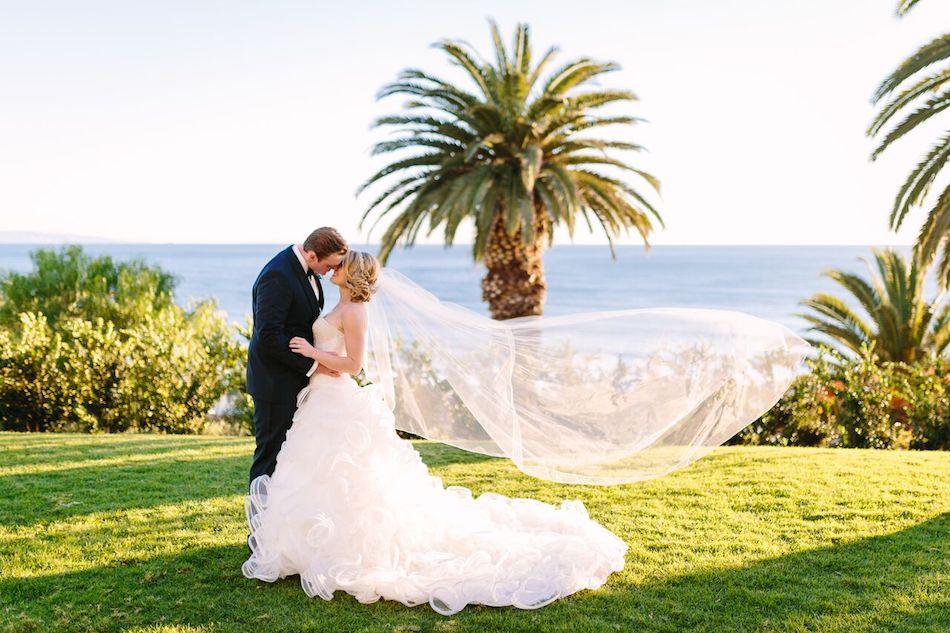 bride, groom, wedding, wedding flowers, orange county florist, all white wedding, bel air bay club