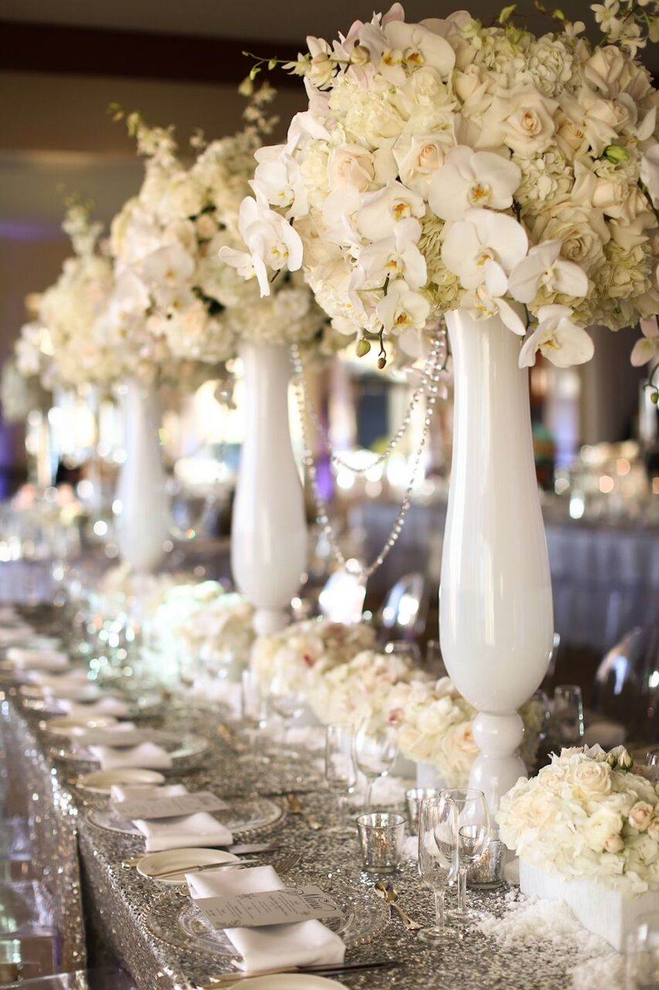 centerpieces, white flowers, all white wedding, orange county florist, bel air bay club, wedding, flowers by cina