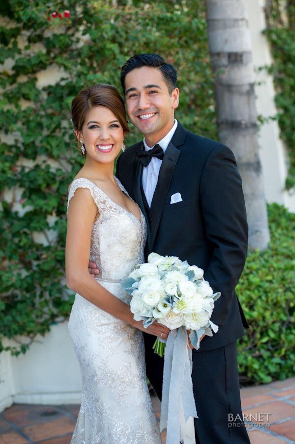 elegant outdoor wedding, flowers by cina, powdery floral design