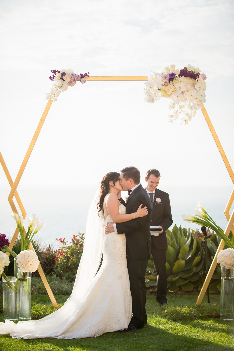 Ritz Carlton Laguna Niguel Wedding, ME Weddings, Flowers by Cina, KLK Photography, Lin and Jirsa, white wedding, seaside wedding