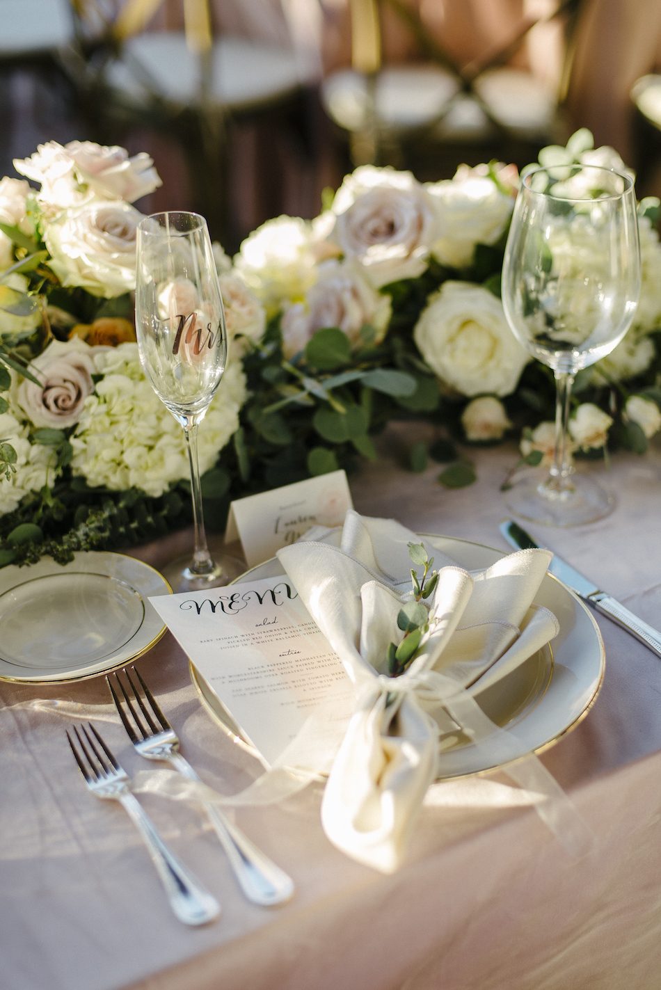 pastel tablescape, gold wedding details, pastel wedding reception, traditional pastel wedding, Flowers by Cina, orange county wedding florist, orange county weddings, floral design, orange county floral designer, floral designer