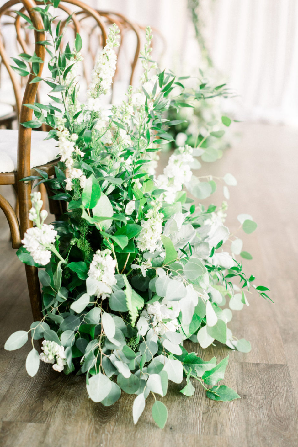 white blooms, white floral decor, white floral design, floral design, florist, wedding florist, wedding flowers, orange county weddings, orange county wedding florist, orange county florist, orange county floral design, flowers by cina