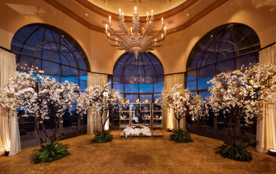 white centerpieces, gold wedding decor, glamorous wedding reception, floral design, florist, wedding florist, wedding flowers, orange county weddings, orange county wedding florist, orange county florist, orange county floral design, flowers by cina