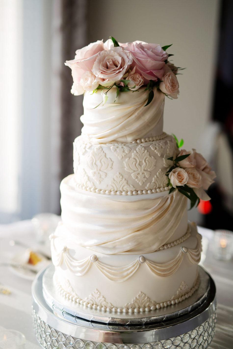 white wedding cake, wedding cake, floral cake decor, floral design, florist, wedding florist, wedding flowers, orange county weddings, orange county wedding florist, orange county florist, orange county floral design, flowers by cina