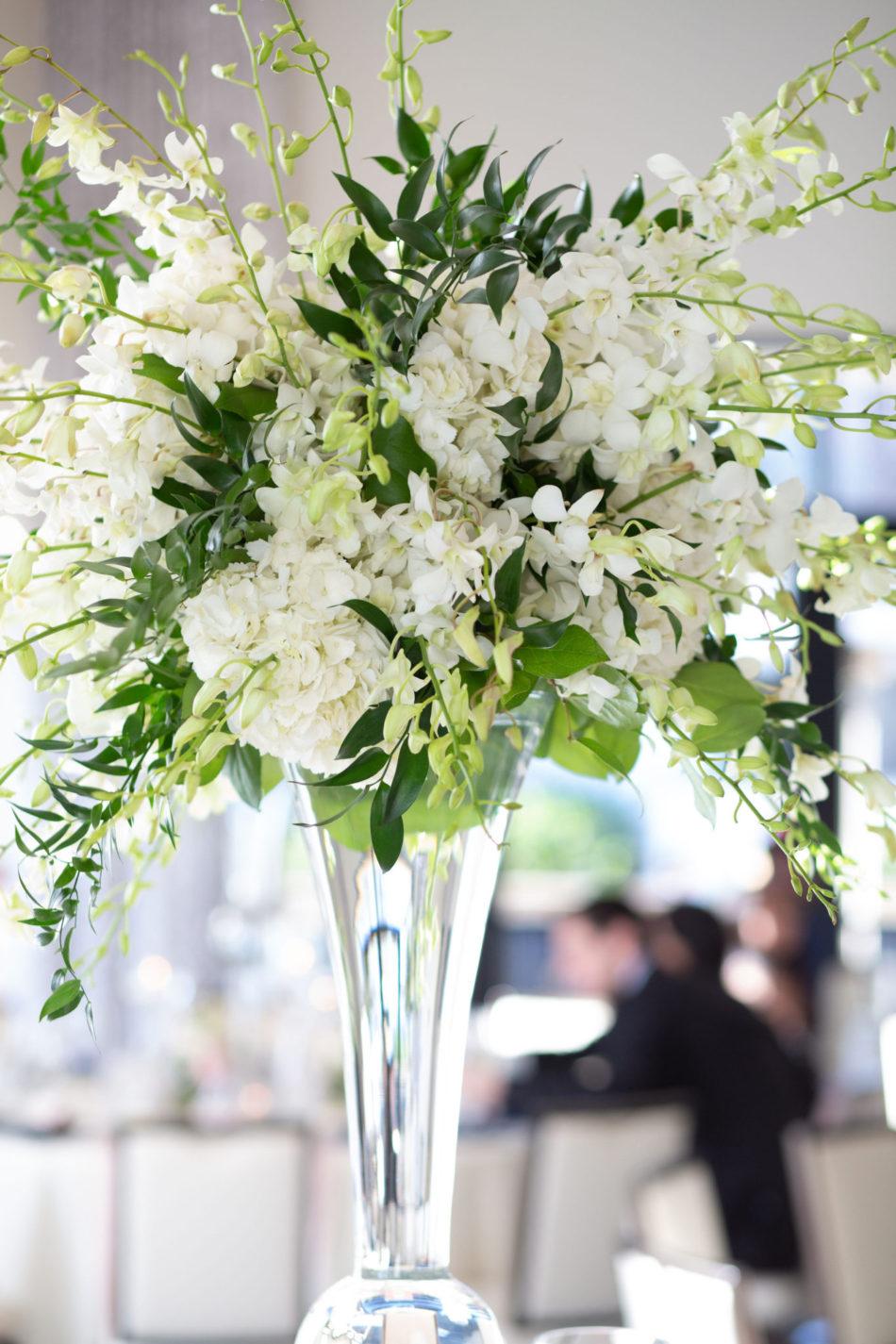 white blooms, white florals, white centerpiece, floral design, florist, wedding florist, wedding flowers, orange county weddings, orange county wedding florist, orange county florist, orange county floral design, flowers by cina