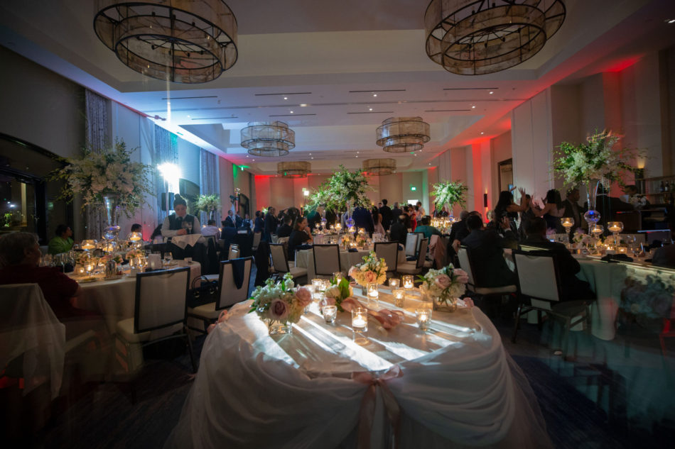 nighttime reception, centerpieces, white floral decor, floral design, florist, wedding florist, wedding flowers, orange county weddings, orange county wedding florist, orange county florist, orange county floral design, flowers by cina