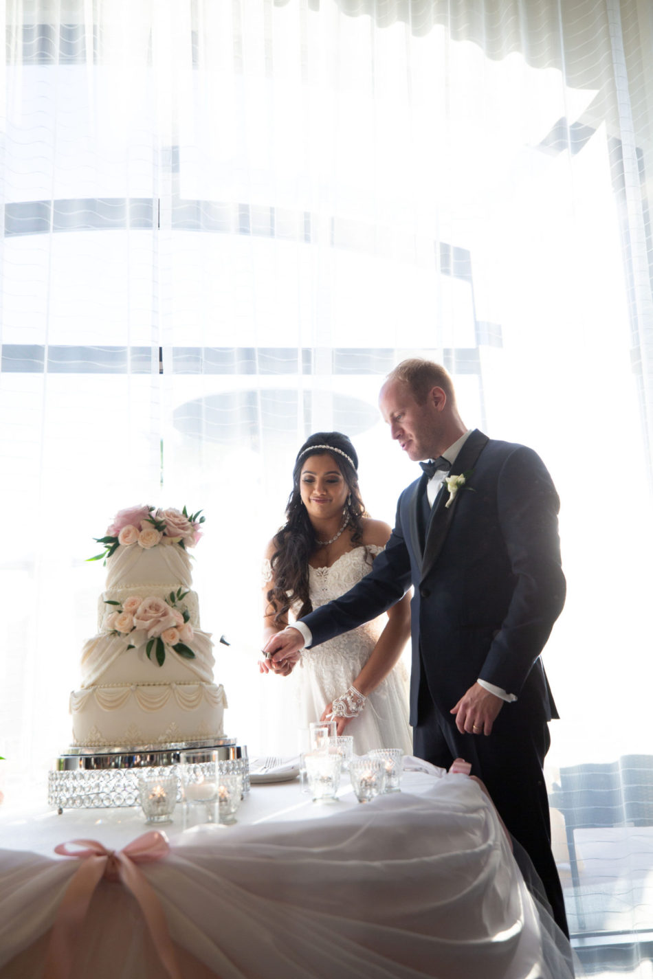 wedding cake, floral cake decor, cake cutting,floral design, florist, wedding florist, wedding flowers, orange county weddings, orange county wedding florist, orange county florist, orange county floral design, flowers by cina