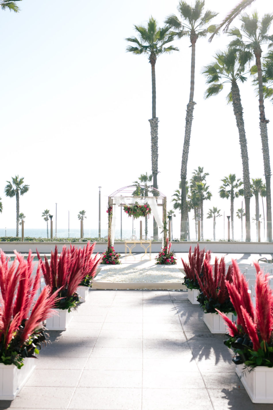 floral design, florist, wedding florist, wedding flowers, orange county weddings, orange county wedding florist, orange county florist, orange county floral design, flowers by cina, red ceremony, red oceanfront wedding, red floral design