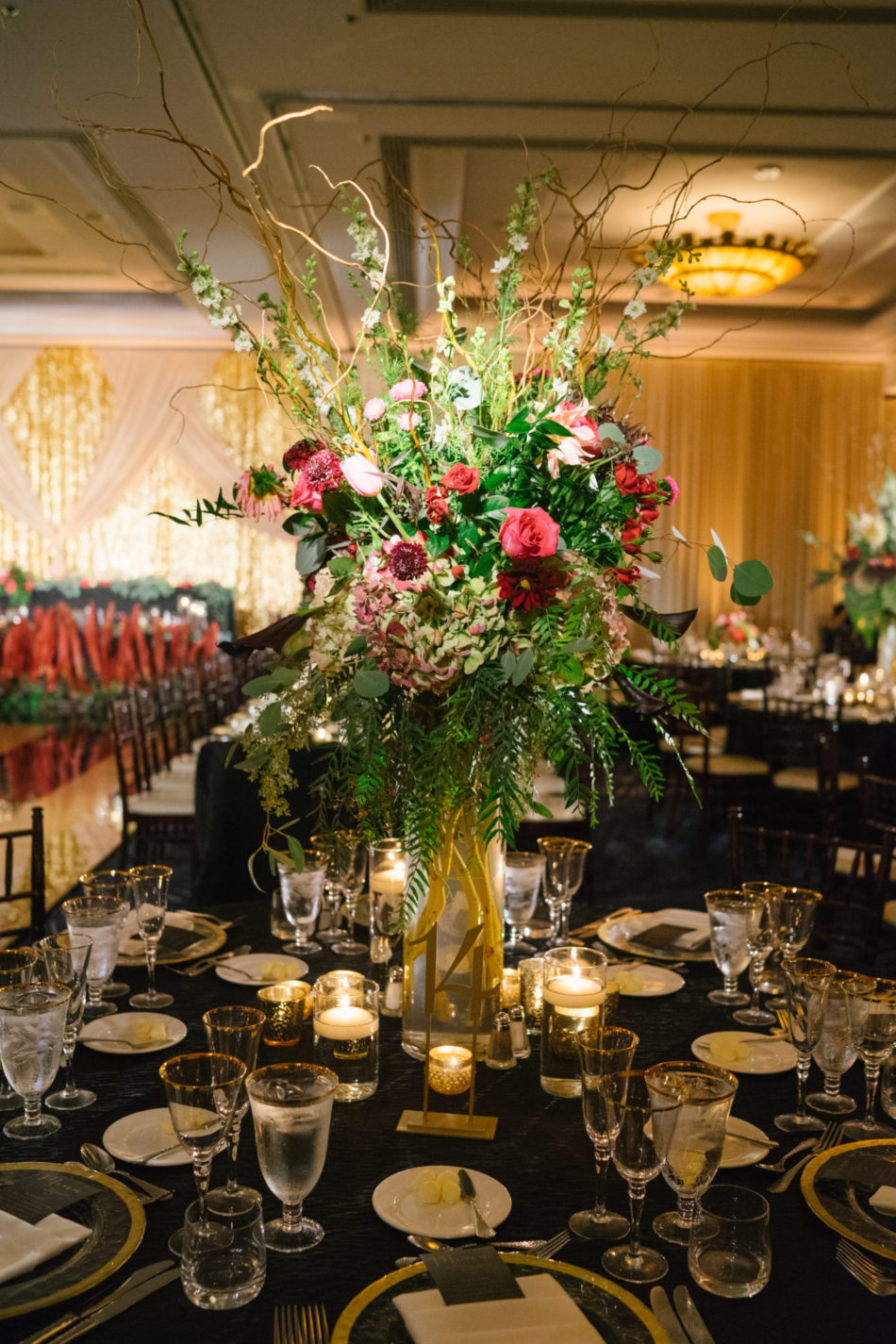 floral design, florist, wedding florist, wedding flowers, orange county weddings, orange county wedding florist, orange county florist, orange county floral design, flowers by cina, red centerpiece, red floral decor, red reception