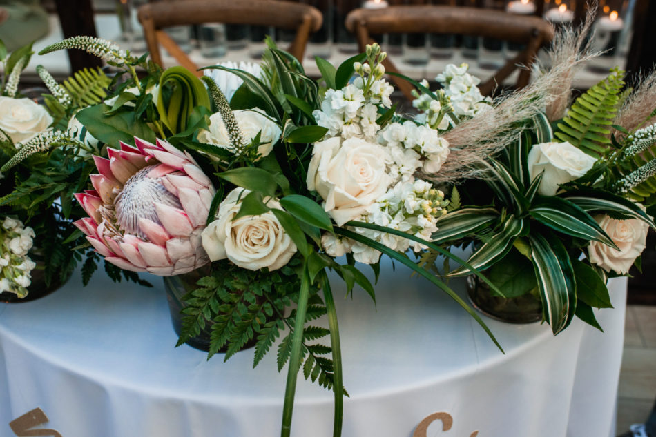 modern centerpiece, sweetheart table centerpiece, modern centerpiece, floral design, florist, wedding florist, wedding flowers, orange county weddings, orange county wedding florist, orange county florist, orange county floral design, flowers by cina