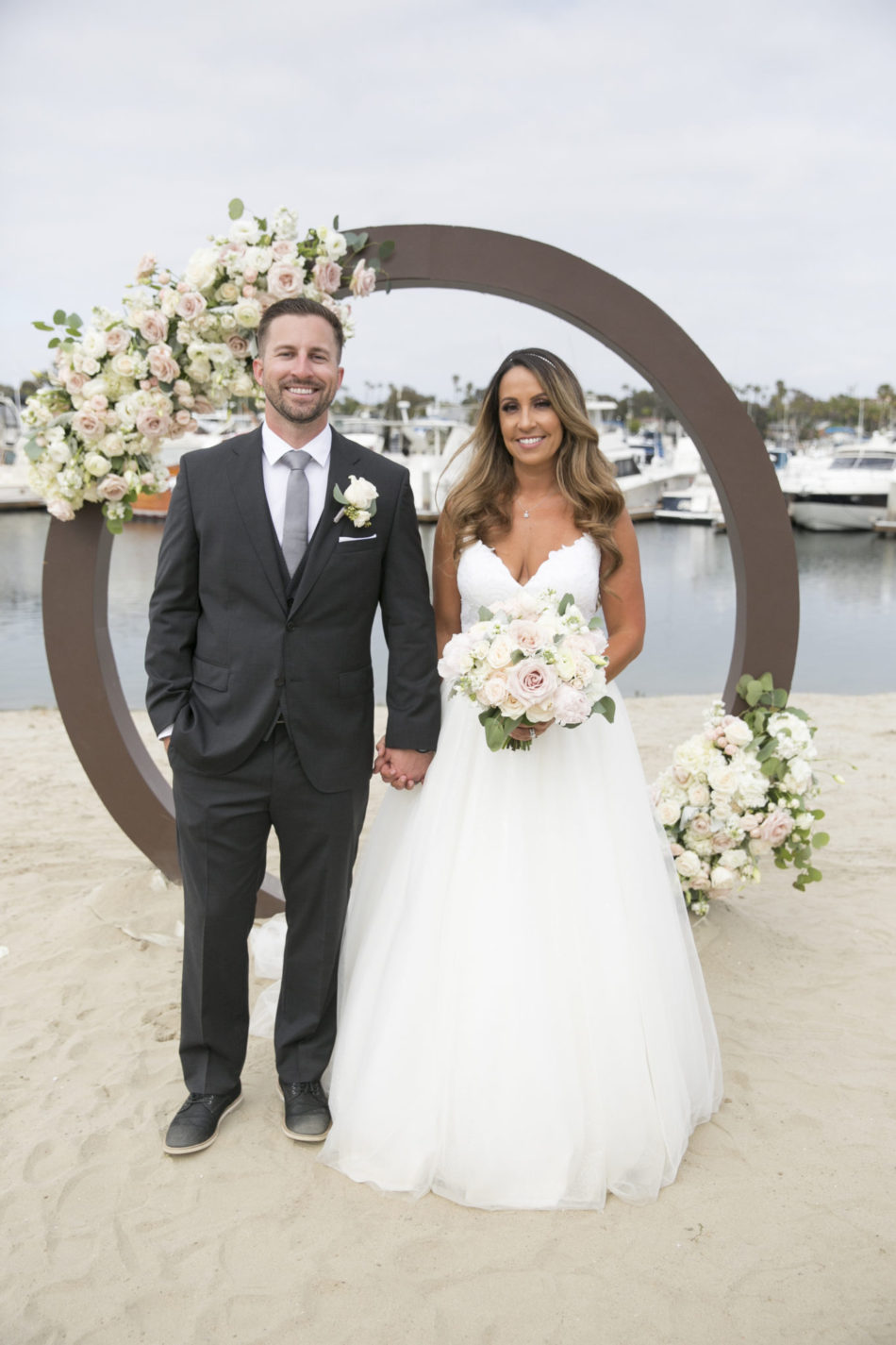 harbor wedding, bay wedding, bride and groom, floral design, florist, wedding florist, wedding flowers, orange county weddings, orange county wedding florist, orange county florist, orange county floral design, flowers by cina