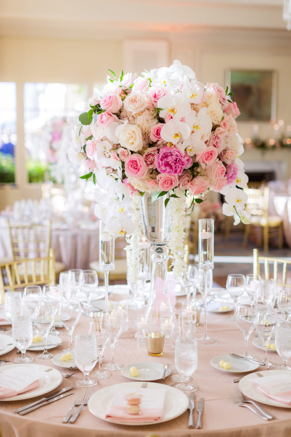 pink reception design, pink centerpiece, pink wedding reception, floral design, florist, wedding florist, wedding flowers, orange county weddings, orange county wedding florist, orange county florist, orange county floral design, flowers by cina