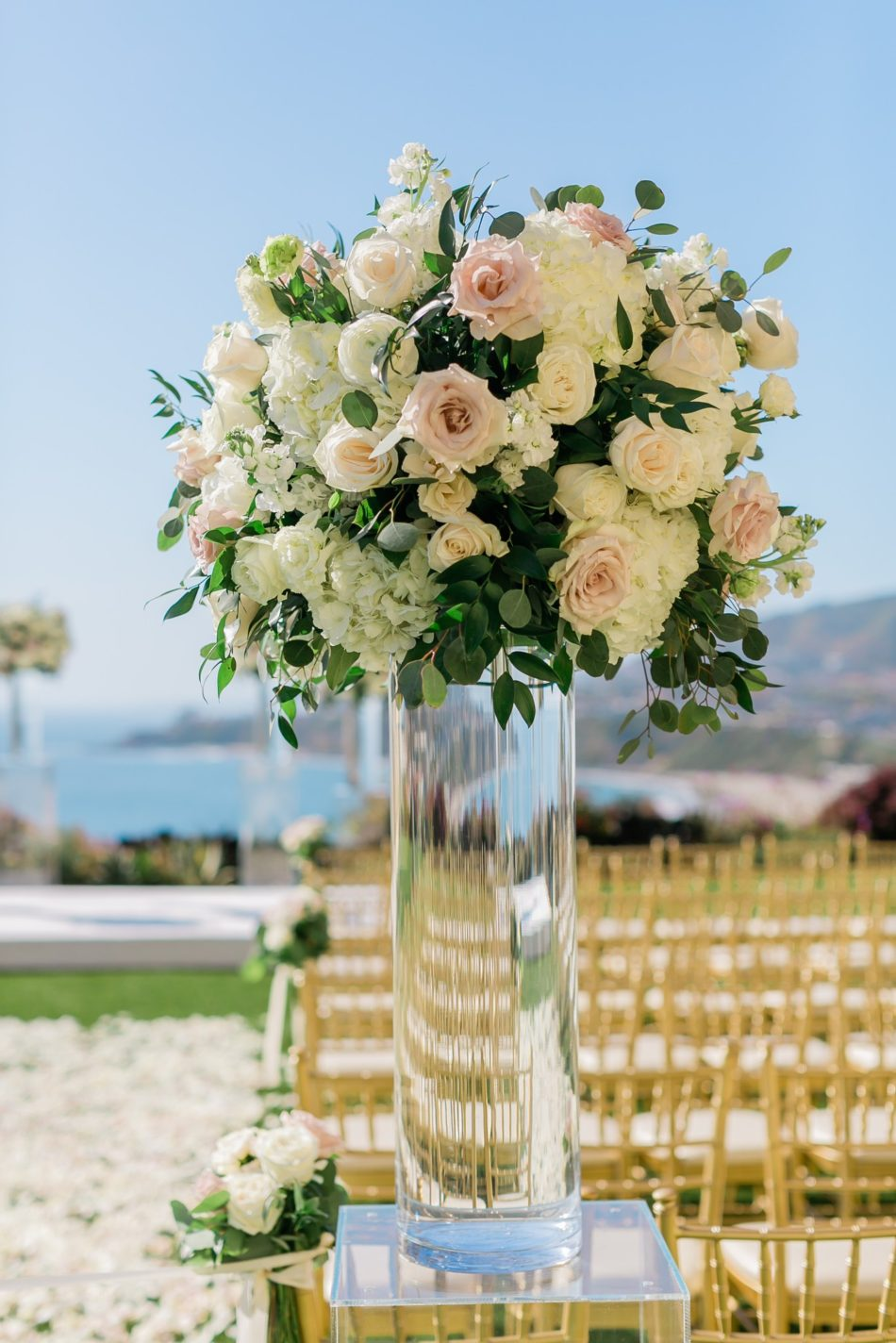 enchanted oceanfront wedding, ceremony florals, blush ceremony, white ceremony, floral design, florist, wedding florist, wedding flowers, orange county weddings, orange county wedding florist, orange county florist, orange county floral design, flowers by cina