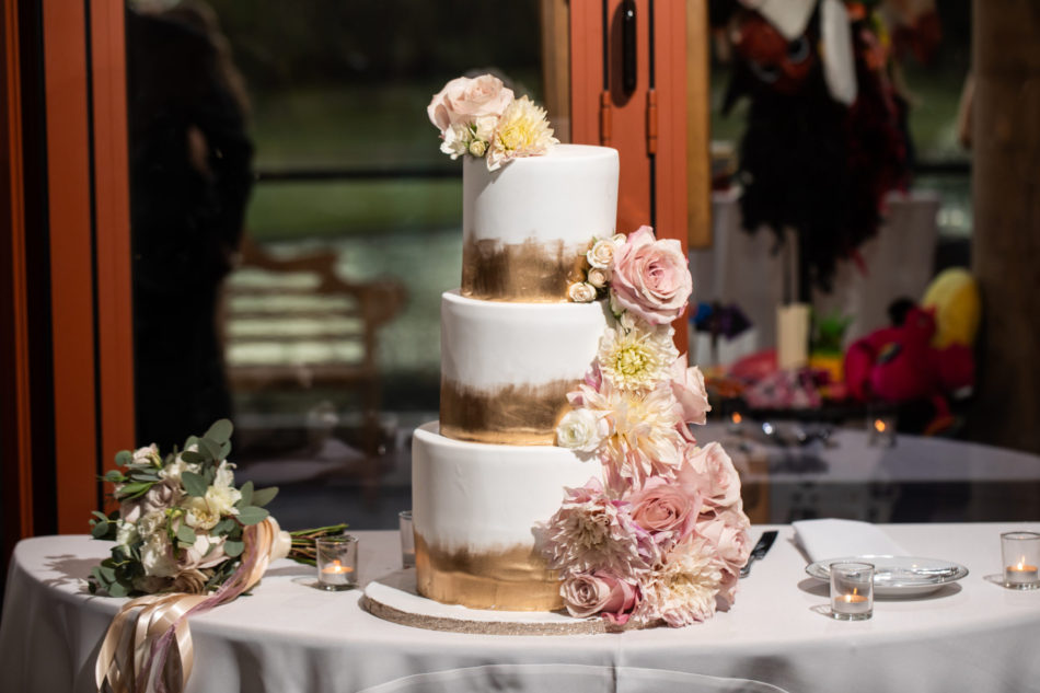 gold cake decor, blush cake decor, wedding cake, floral design, florist, wedding florist, wedding flowers, orange county weddings, orange county wedding florist, orange county florist, orange county floral design, flowers by cina