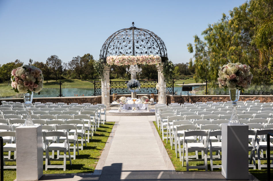 ceremony setup, floral-filled ceremony, blush wedding ceremony, floral design, florist, wedding florist, wedding flowers, orange county weddings, orange county wedding florist, orange county florist, orange county floral design, flowers by cina