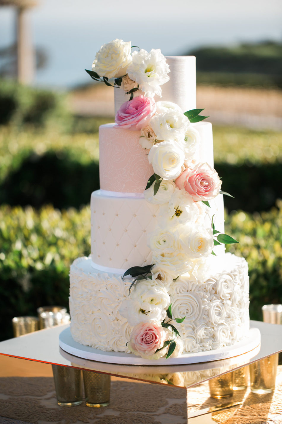 floral-filled cake, wedding cake, cake decor, floral design, florist, wedding florist, wedding flowers, orange county weddings, orange county wedding florist, orange county florist, orange county floral design, flowers by cina