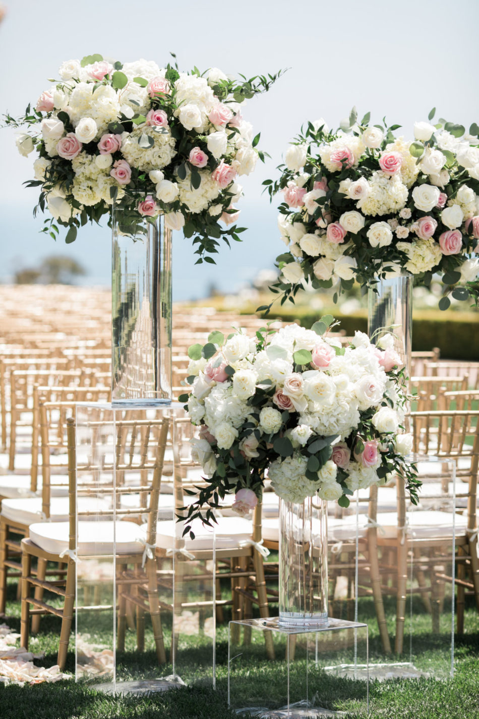 blush florals, elevated floral arrangements, blush floral decor, floral design, florist, wedding florist, wedding flowers, orange county weddings, orange county wedding florist, orange county florist, orange county floral design, flowers by cina
