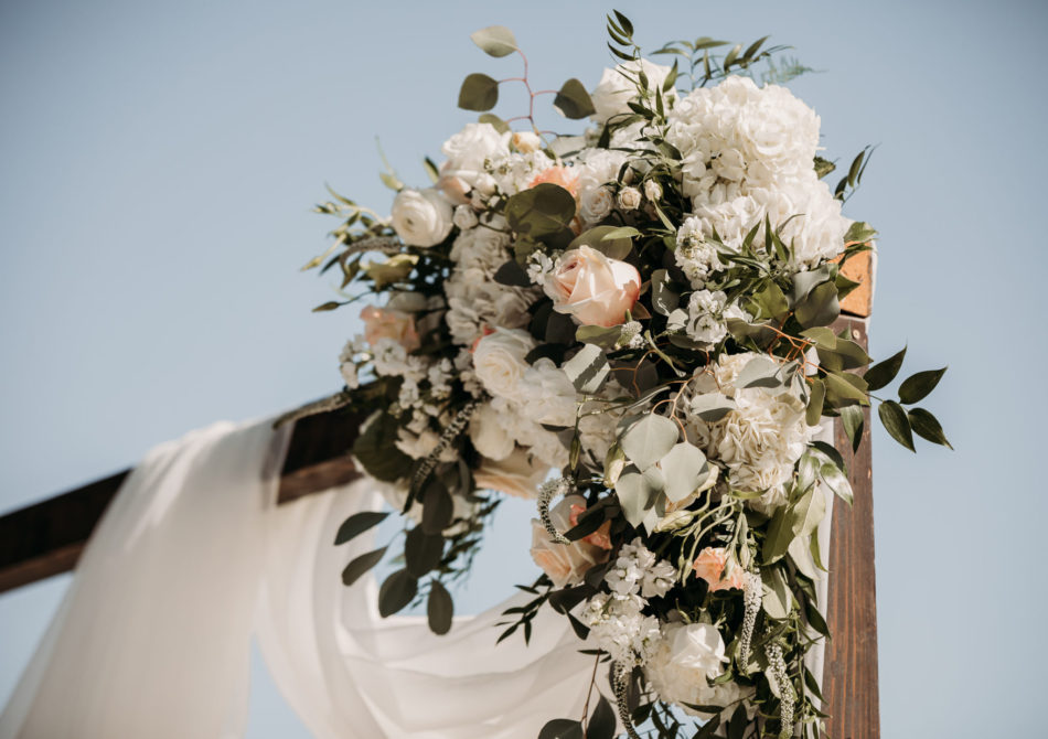 floral-filled arch, arch decor, white floral decor, floral design, florist, wedding florist, wedding flowers, orange county weddings, orange county wedding florist, orange county florist, orange county floral design, flowers by cina