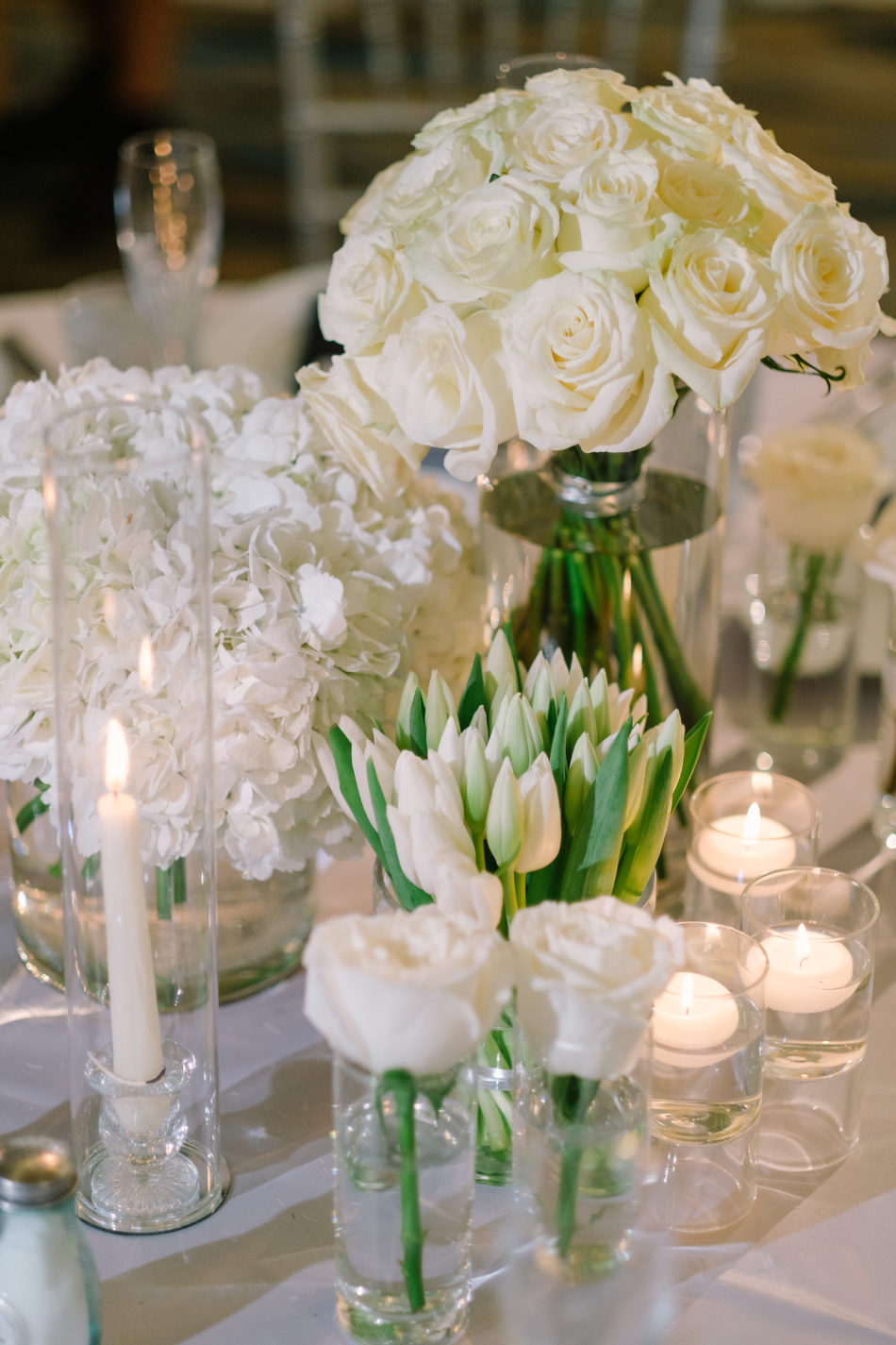 white blooms, white centerpieces, white florals, magnificent all-white wedding, floral design, florist, wedding florist, wedding flowers, orange county weddings, orange county wedding florist, orange county florist, orange county floral design, flowers by cina
