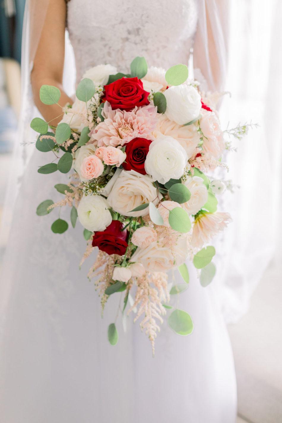 red roses, colorful bouquet, memorable bridal bouquets, floral design, florist, wedding florist, wedding flowers, orange county weddings, orange county wedding florist, orange county florist, orange county floral design, flowers by cina