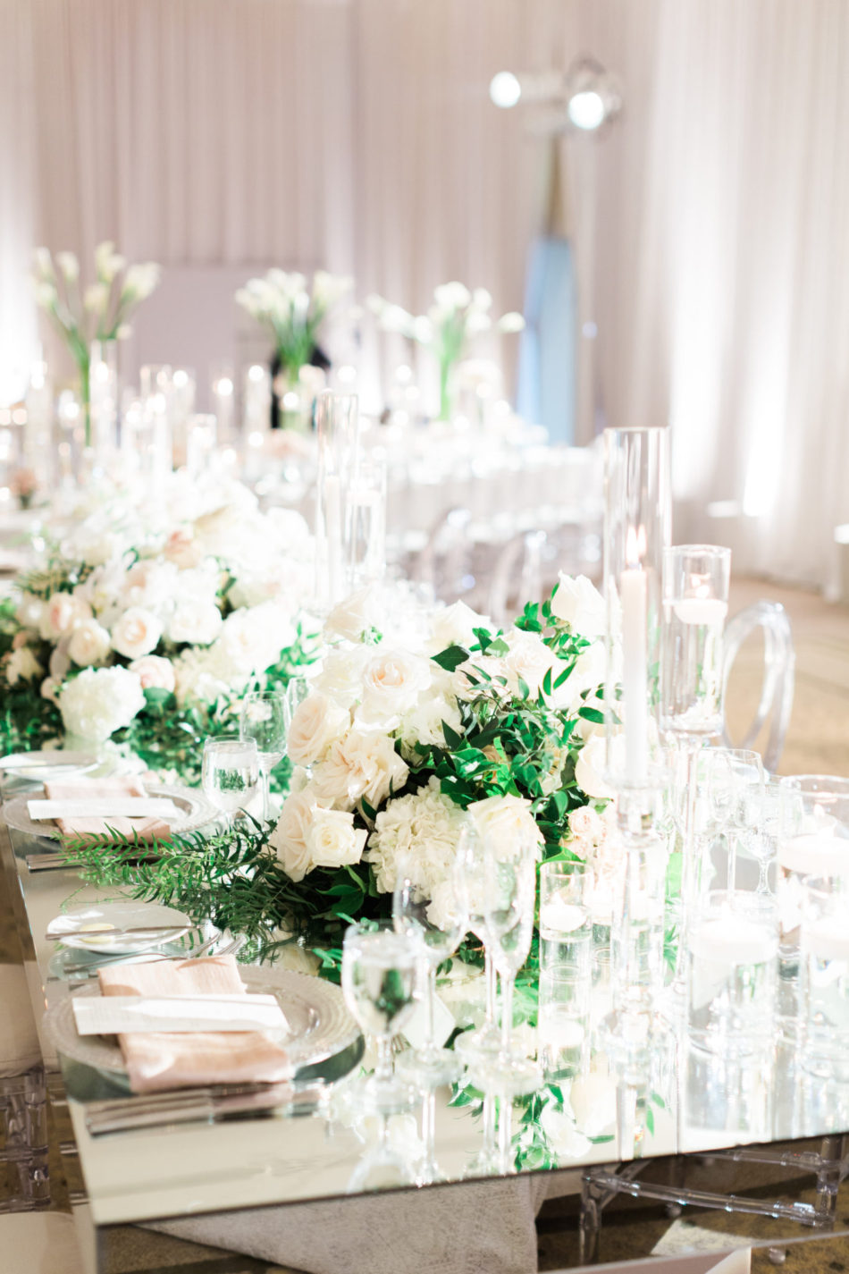 white centerpiece, white reception, romantic all-white wedding, floral design, florist, wedding florist, wedding flowers, orange county weddings, orange county wedding florist, orange county florist, orange county floral design, flowers by cina