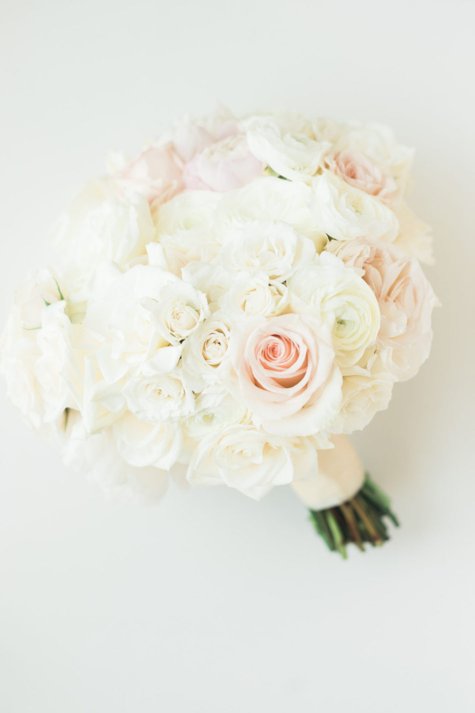 blush bridal bouquet, romantic bridal bouquet, romantic all-white wedding, floral design, florist, wedding florist, wedding flowers, orange county weddings, orange county wedding florist, orange county florist, orange county floral design, flowers by cina