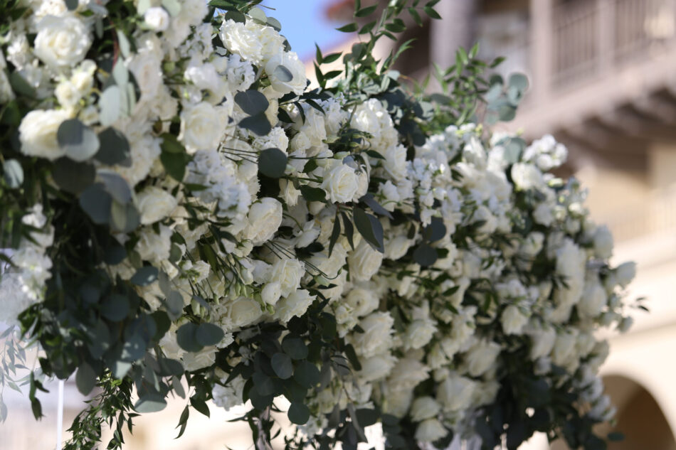 white ceremony florals, white florals, white blooms, ethereal oceanfront wedding, floral design, florist, wedding florist, wedding flowers, orange county weddings, orange county wedding florist, orange county florist, orange county floral design, flowers by cina
