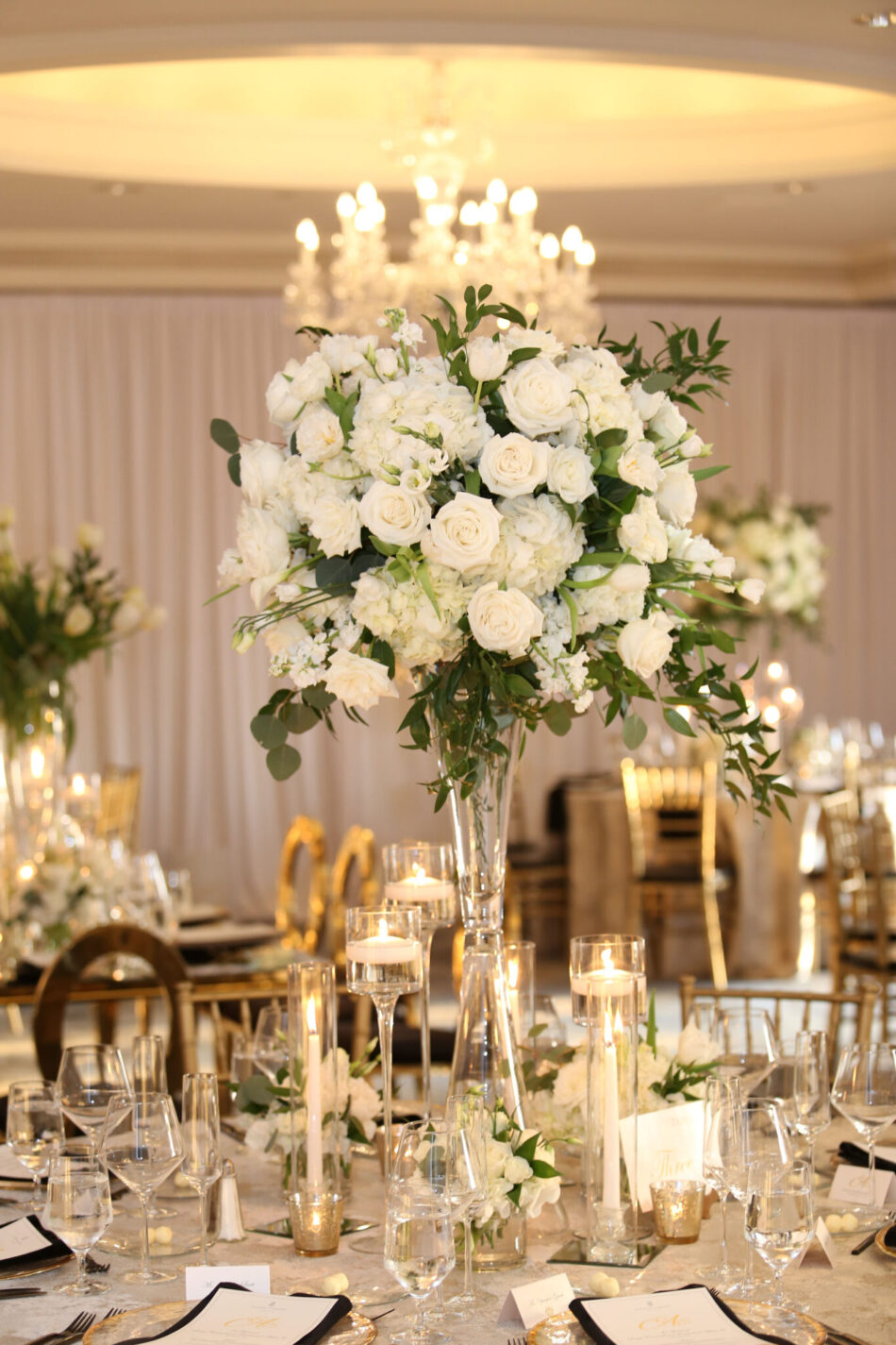 white and gold wedding, gold reception, white reception florals, ethereal oceanfront wedding, floral design, florist, wedding florist, wedding flowers, orange county weddings, orange county wedding florist, orange county florist, orange county floral design, flowers by cina