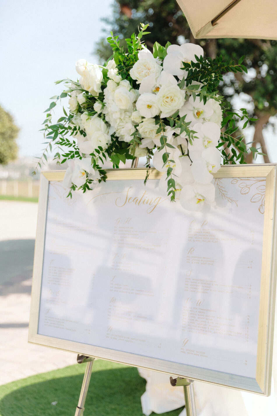 seating chart, floral-filled seating chart, beautiful floral-filled wedding, floral design, florist, wedding florist, wedding flowers, orange county weddings, orange county wedding florist, orange county florist, orange county floral design, flowers by cina
