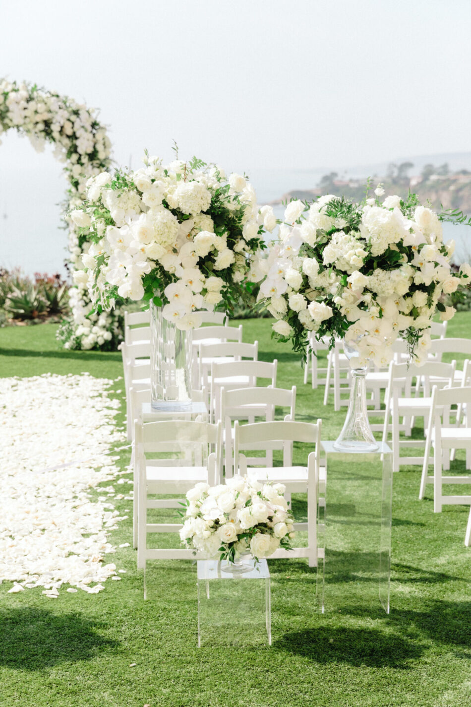 all-white ceremony, white ceremony blooms, beautiful floral-filled wedding, floral design, florist, wedding florist, wedding flowers, orange county weddings, orange county wedding florist, orange county florist, orange county floral design, flowers by cina